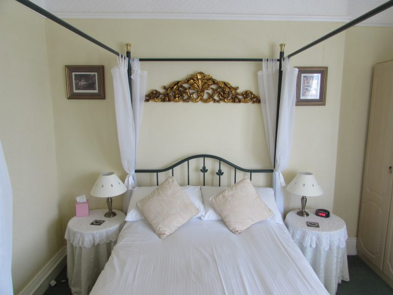 Birchwood House Paignton Four poster bed